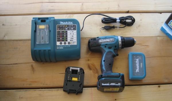 Werkzeugset Makita BDF343RHEX4 einmal ausgepackt
